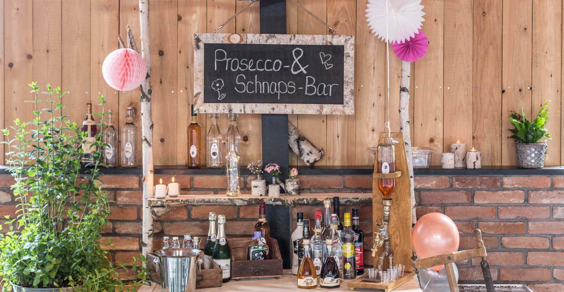 Prosecco & Schnaps-Bar in der Festscheune